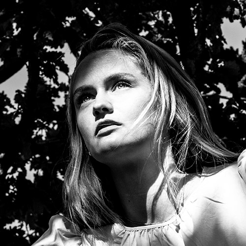 Simone Mikkelsen - Portrætfoto - Portrætfotograf - Fotograf Henrik Espensen - Fotograf i Randers